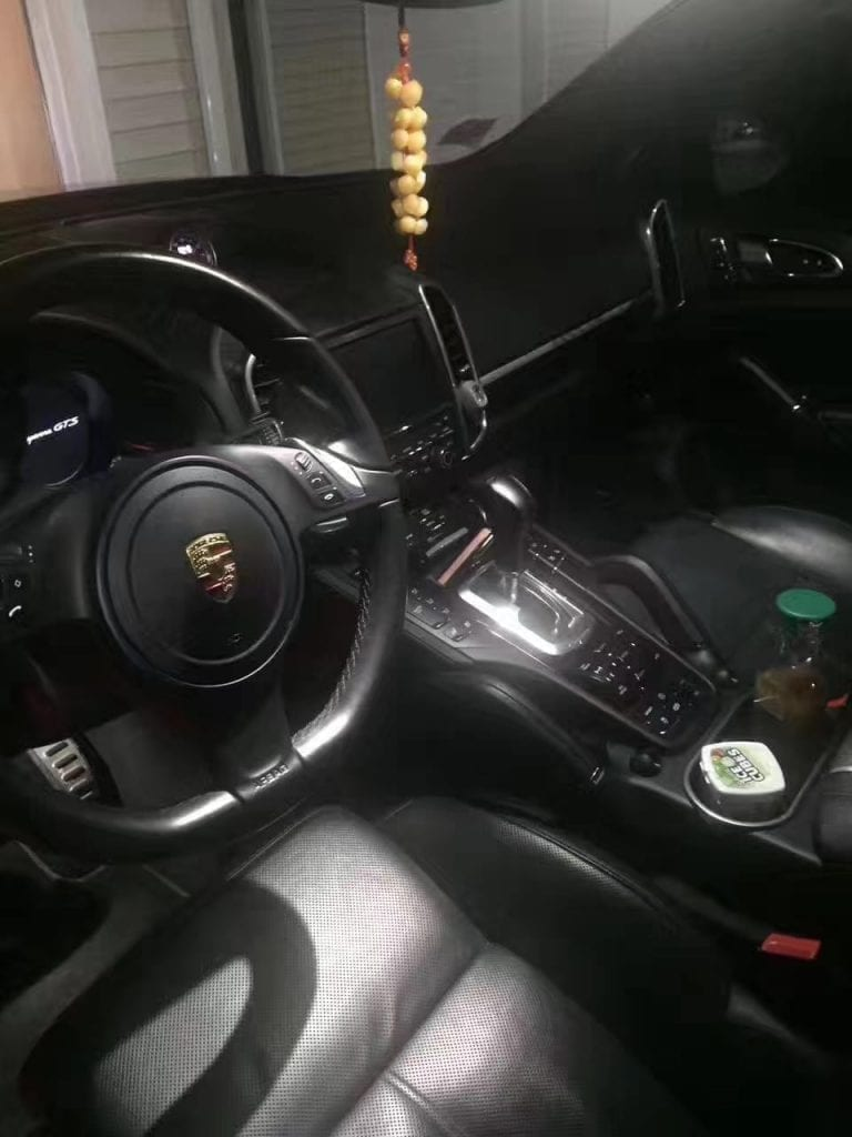 买车配置 2014卡宴gts 33000mile,外黑内黑 基本顶配