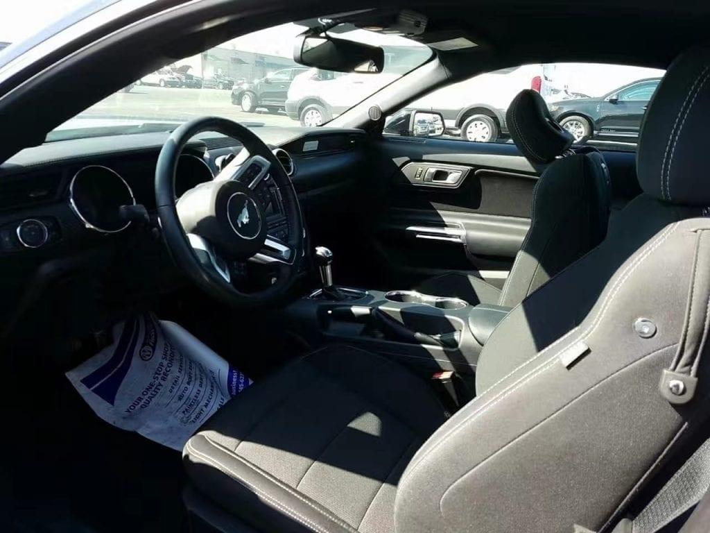 美国二手车拍卖行 2015 Ford Mustang,3.7L V6自然吸气