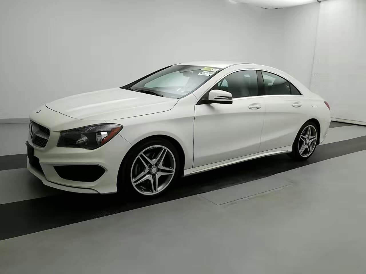 买车首付多少 2014 Mercedes CLA250 amg套件,导航倒影