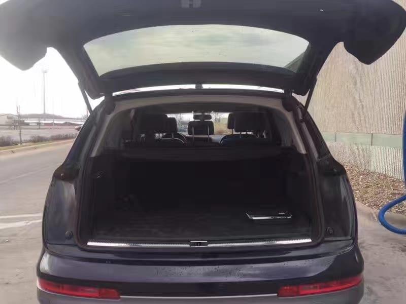 买车牌马来西亚 2011奥迪Q7 Premium Plus,里程52k