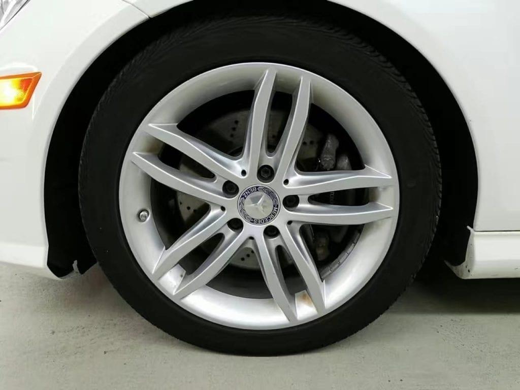 美国买车险 2013 Mercedes C300 4matic2w不到就能买? 里程:4w