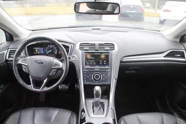 二手车车牌 2013 Ford Fusion  Titanium版 配置不一般