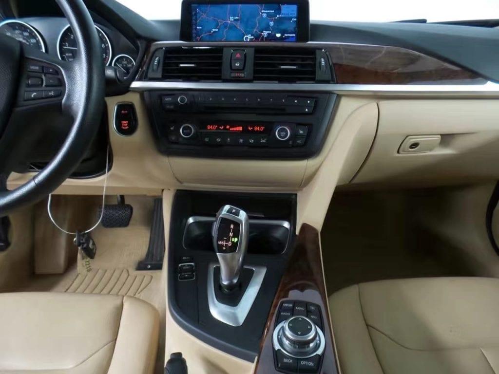 二手车app推荐 2013 bmw 328i Xdrive,有大屏,里程:34k