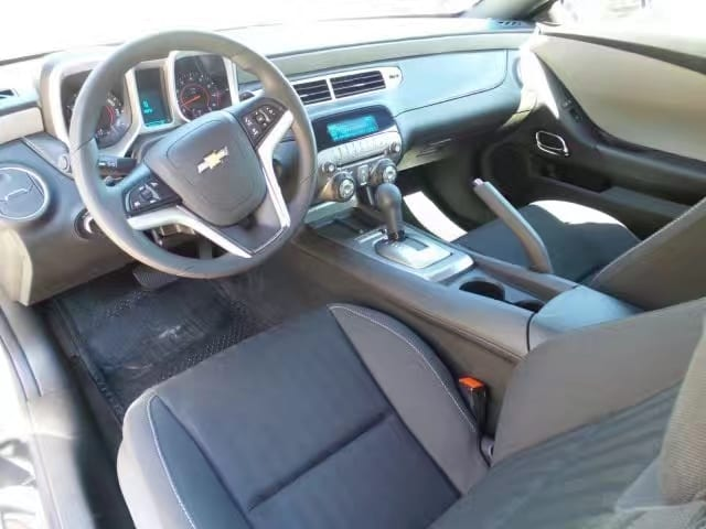 拍买车牌 2013 Camaro,炫酷外形,里程:49k,全包不到1w5!