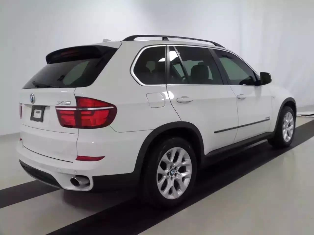 买车需要驾照吗 2013宝马X5 xDrive 35i,迈数5w,高配带导航