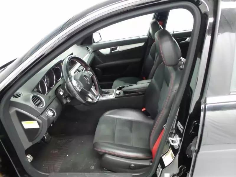 二手车买卖 2013 黑色 C300,amg限量版,红色安全带