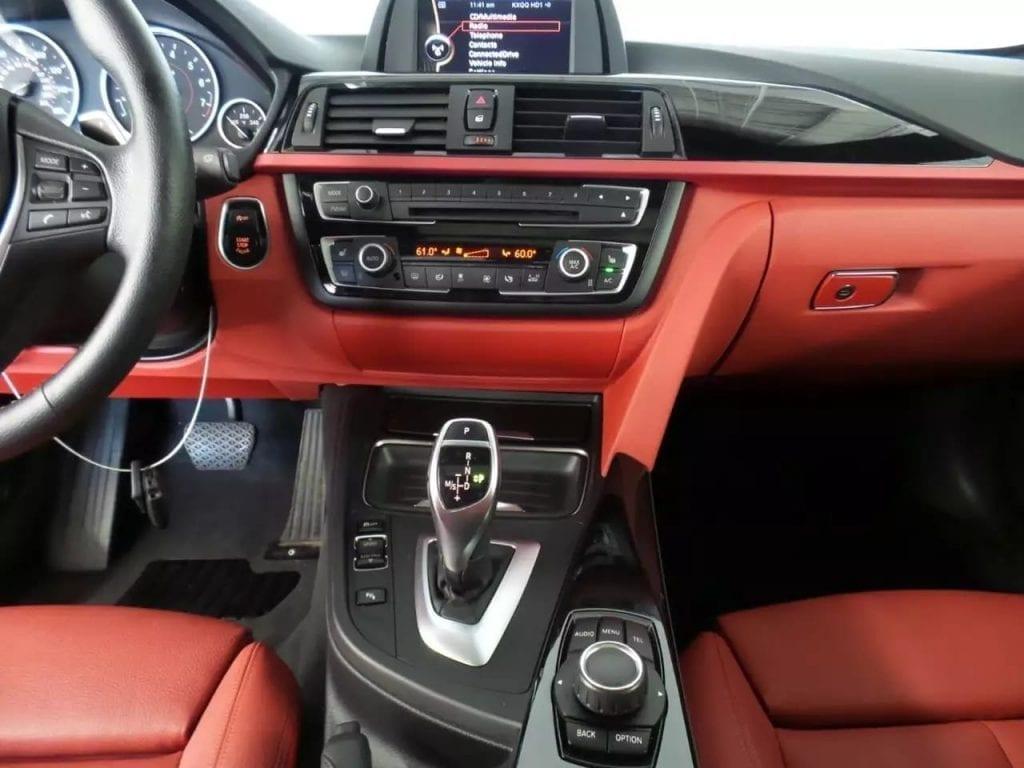 先买车还是先买房 2013 BMW 328i Sports版,外形帅气,炫酷大眼睛