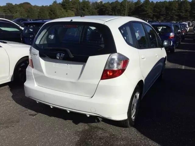 从美国买车回加拿大 2013 Honda Fit,是省油车里面跑的最快,