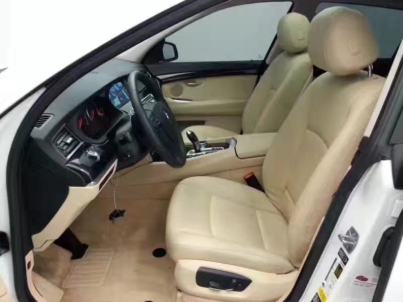 买车头期款刷卡 2014宝马535GT,迈数36k,新款外观更动感 更加舒适高大上。
