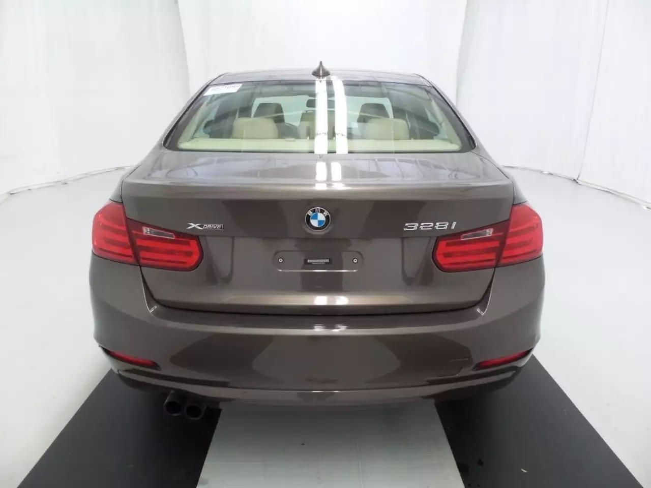 二手车估计 2013 BMW 328i Xdrive,不仅是四驱,里程:30k
