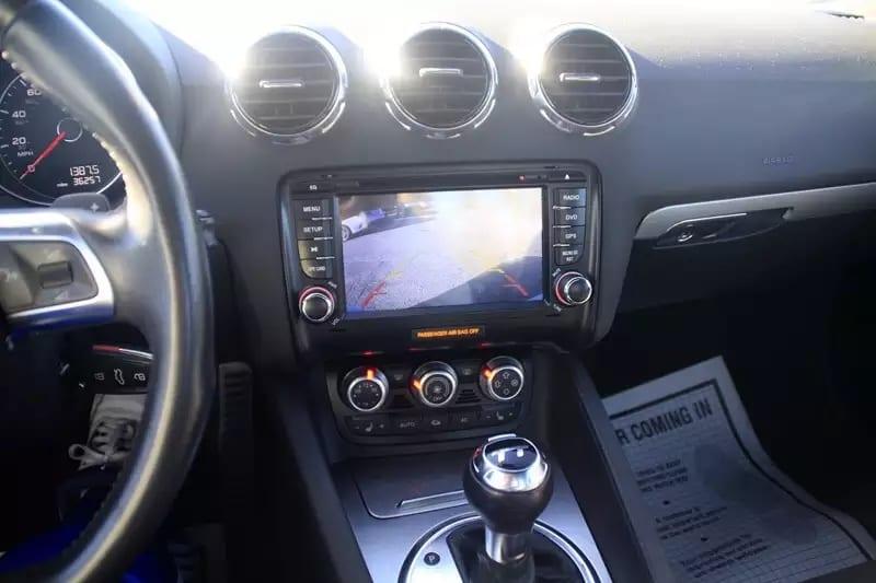 买车子 2012 Audi TT 高配版,Hid大灯 led眼线灯 内饰反绒毛座椅