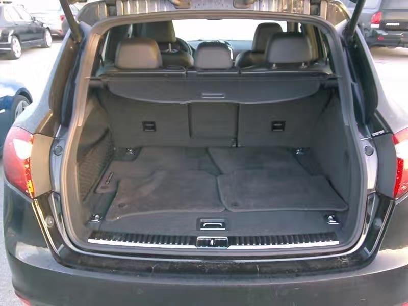 买车领牌 2012 保时捷 Cayenne,保时捷的第一款Suv,合金排气