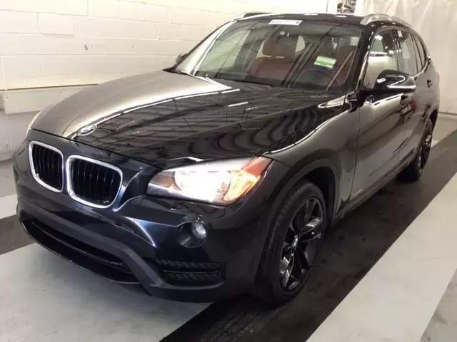 美国买车app 2014 BMW X1,是非常帅气的黑外红内,配合四轮驱动