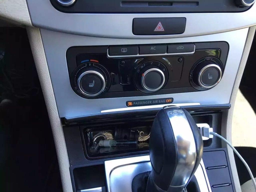 二手车fit 2012 大众CC,白外米内,价格 1w5左右预算私聊