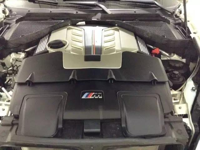 二手车买什么车好 2012 X6M,配备4.4L V8大马力发动机