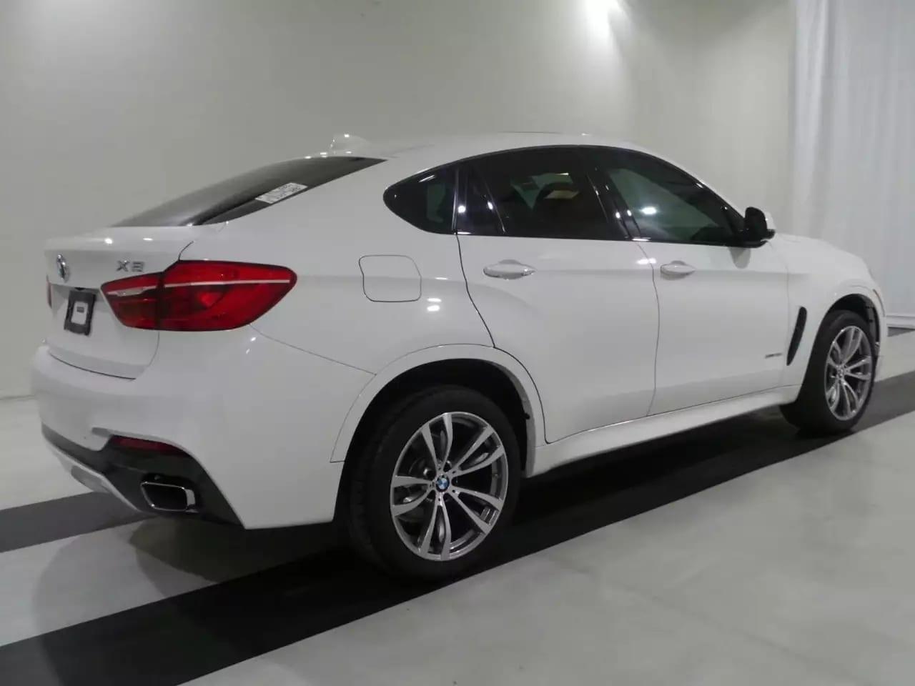 稀有货色,2016 Bmw X6 msports,白外红内,配置几乎到顶了