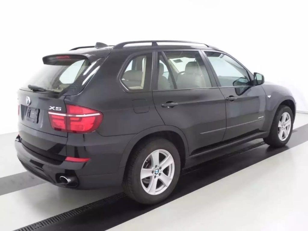 先买车还是先买保险 2013宝马X5 xDrive 35i 导航 全景天窗 座椅加热 蓝牙
