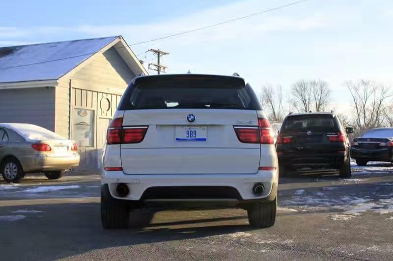 买车如何杀价 2012 BMW X5,非常稀有非常美丽的白色 巧克力色内饰