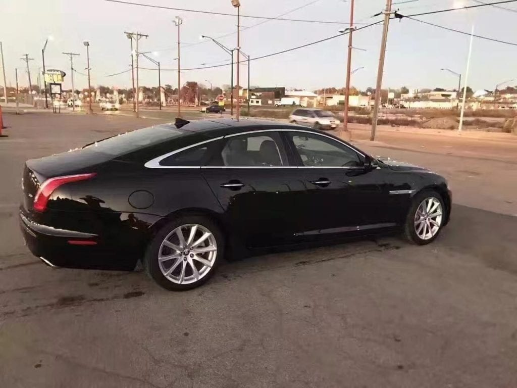 买车缴税 2013捷豹XJ 3.0V6。迈数仅仅14k,配置齐全应有尽有