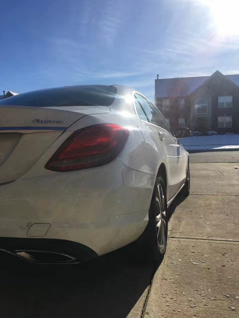 买车如何议价 2015 Mercedes C300 4matic,新款造型和S系列非常相似