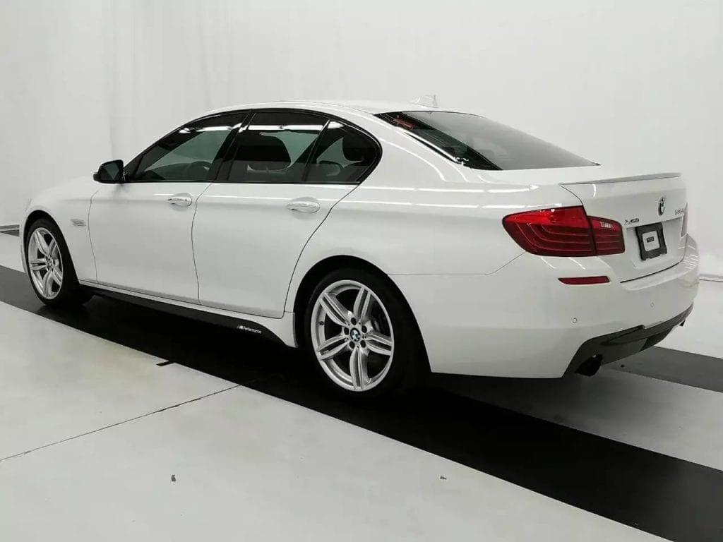 二手车款推荐 2014 BMW 535i Xdrive M套件 极具攻击性的天使眼大灯,