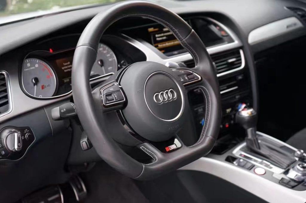 购买车票加价出售 2014 奥迪S4 Premium Plus高性能轿跑 3wmiles