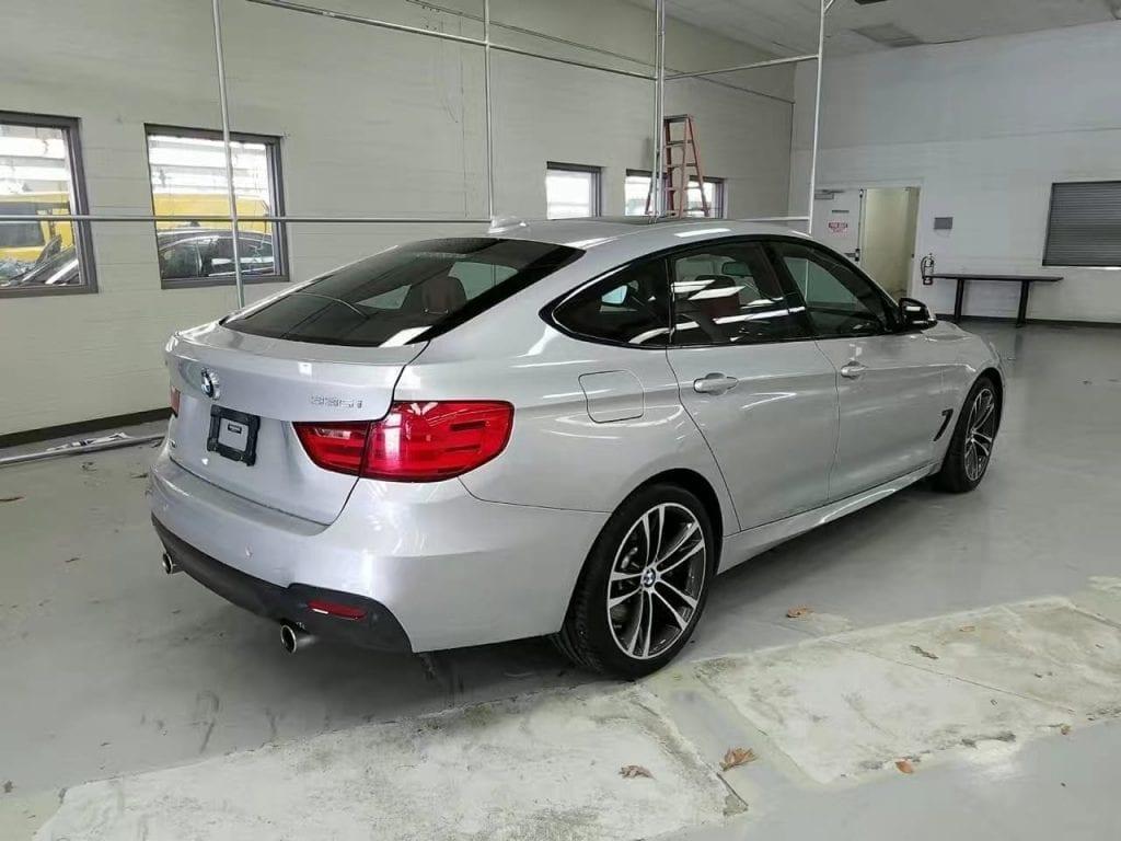 买车上会唔批 2013 BMW 335GT xdrive。 空间大到可以在后备箱睡觉