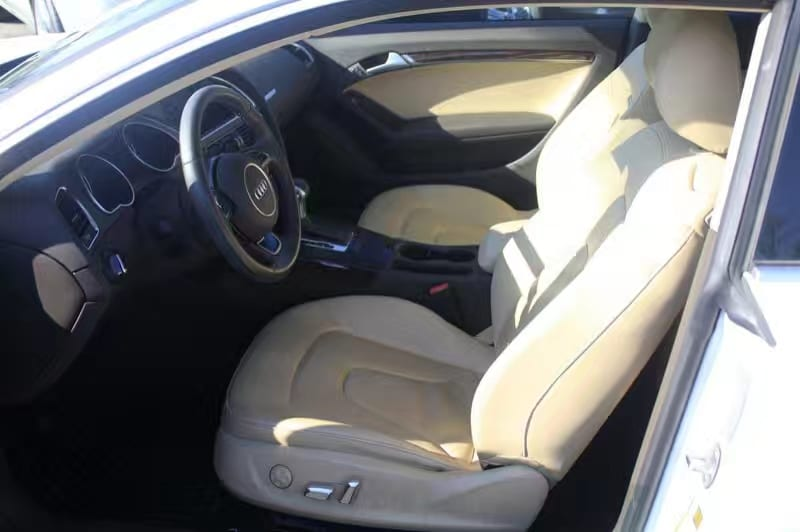 买车头期款ptt 2013 Audi A5,四轮驱动,雪天不怕 驾驶感受良好,镰刀Led大灯 外观美丽
