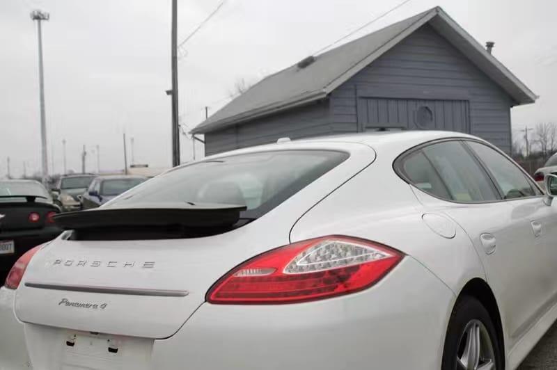 买车时间 2013保时捷帕拉梅拉4,四驱高配豪华轿跑。导航 倒车影像 前后雷达 升降尾翼 座椅加热 运动模式 悬挂调节 外观内饰完美如新,里程25k,价格仅仅 打头!