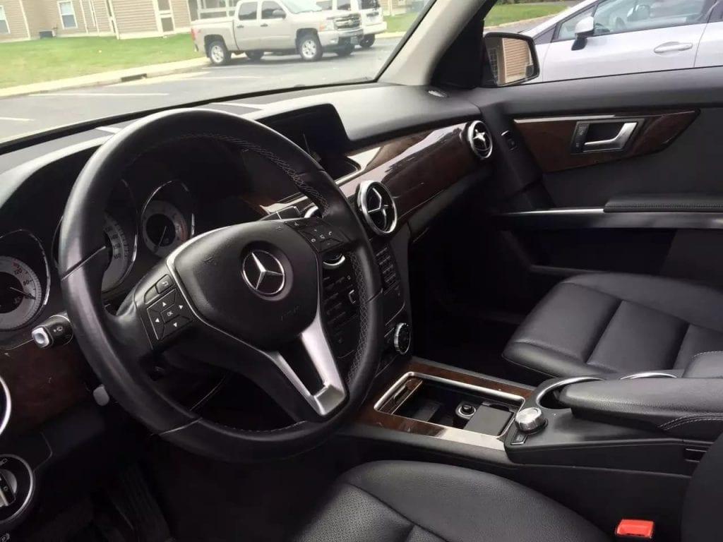 2013 奔驰 GLK350 4matic,基本新车,配置相当齐全,准新车车况,里程才1w4,导航倒影,双天窗,蓝牙皮座椅,热屁屁,价格给力,2打头。私人车,你懂的!