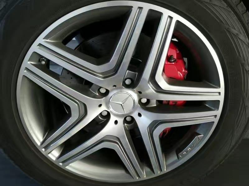 买车首付多少 2015 G63 AMG,手工打造5.5L双涡轮增压发动机 百公里加速 4.8s 甚至超越了一些轿跑。