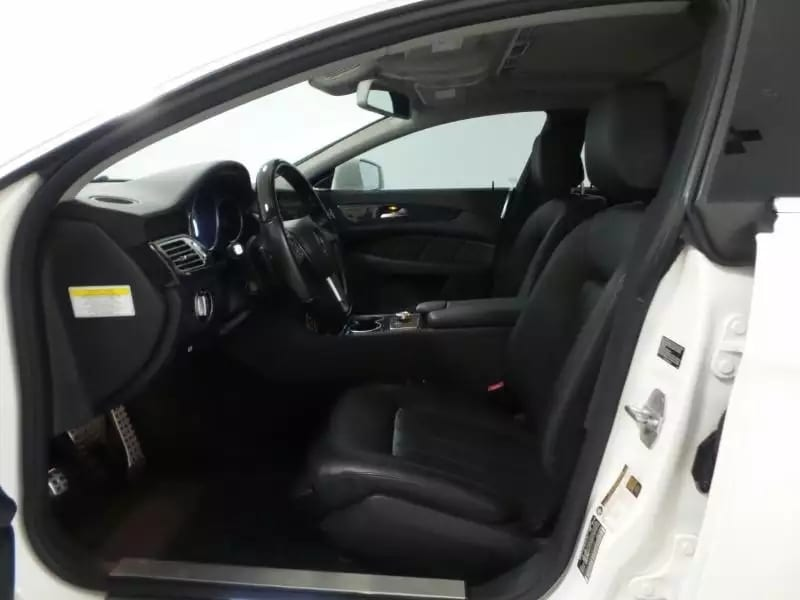 美国买车的app 2013 CLS550,配置极其高大上,导航倒影无钥匙启动