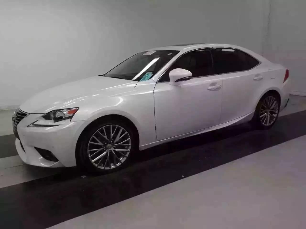 买车为何要签本票 2014雷克萨斯IS250,18寸高级轮毂!好看 好看 好看