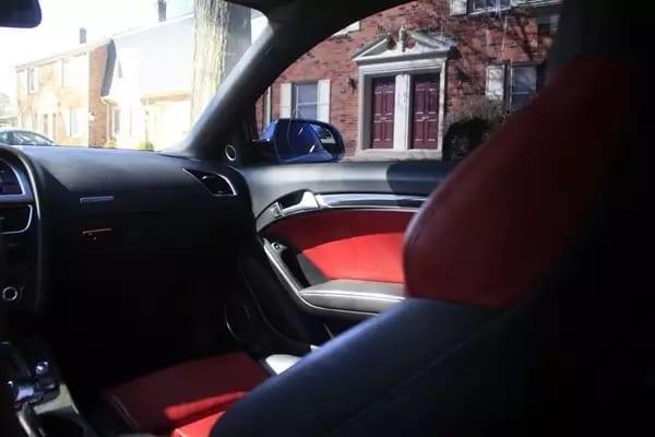 开二手车行ptt 2014 Audi S5,稀有配色,白外红内,