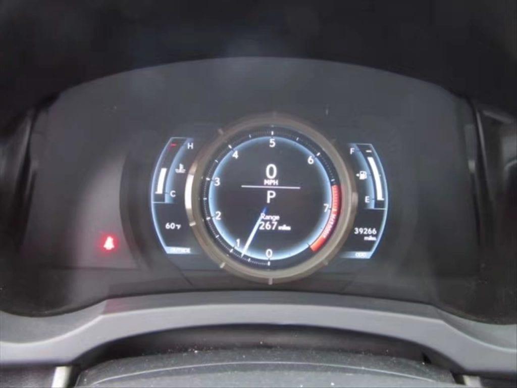 梦 买车 2014 Lexus IS250 AWD。内置移动电子转速表,引领时尚潮流