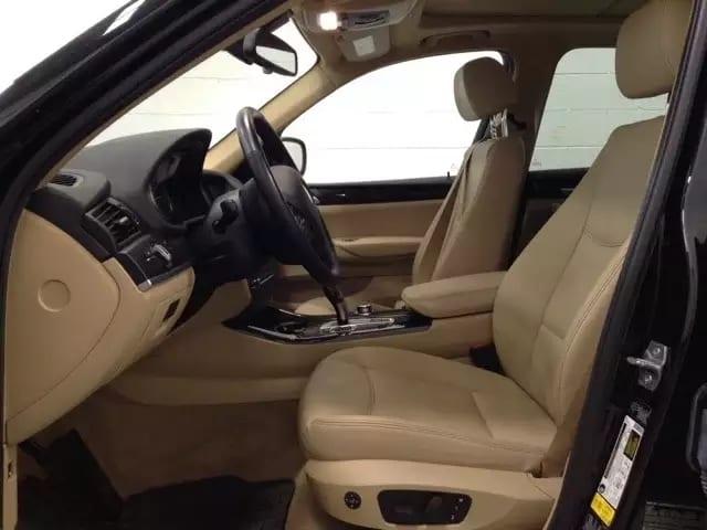 买车位程序 2013 Bmw X3,城市越野,高配:导航 大天窗 蓝牙 大屏幕 皮座椅 鱼叉轮毂 I-drive系统,里程:41k,价格,2w出头!