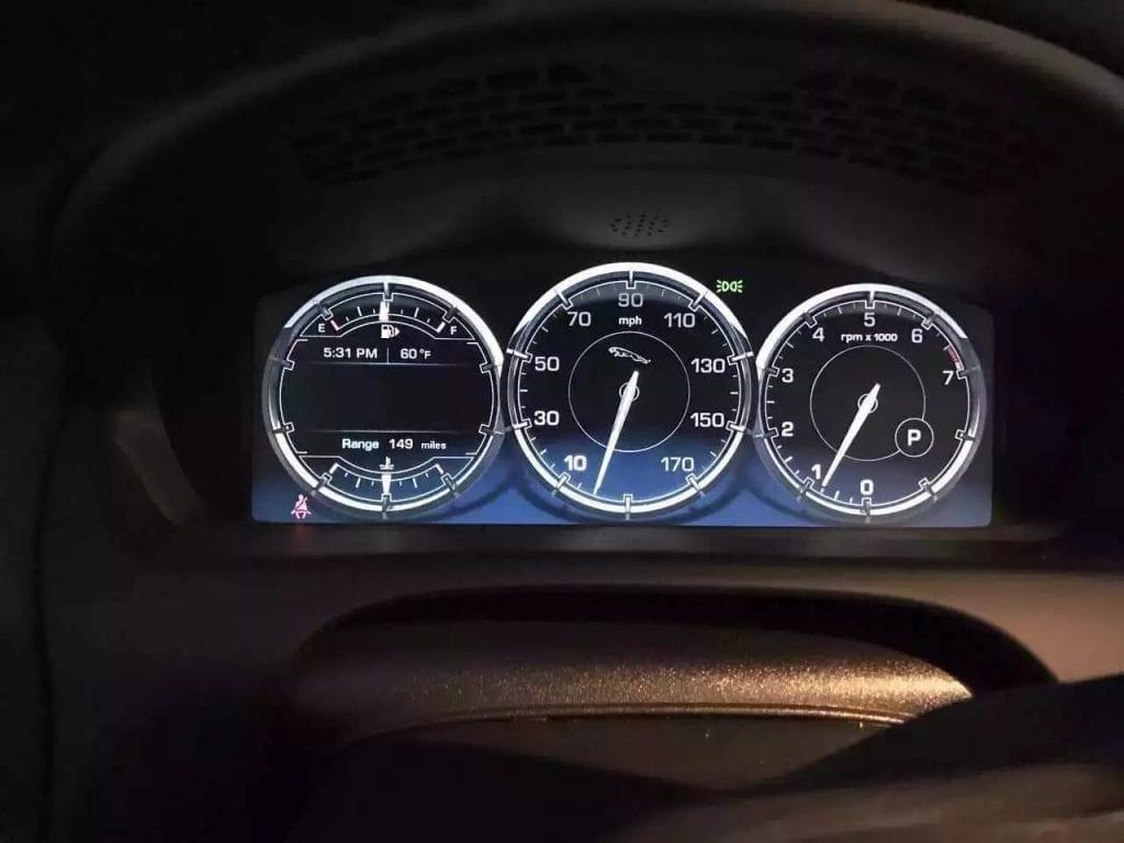 先买车后报废 2013捷豹XJ 3.0V6。迈数仅仅14k,配置齐全应有尽有