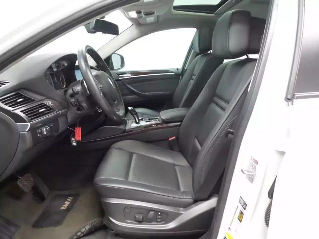 二手车库 2014宝马X6 35i xDrive,迈数30k,配置高车况好!