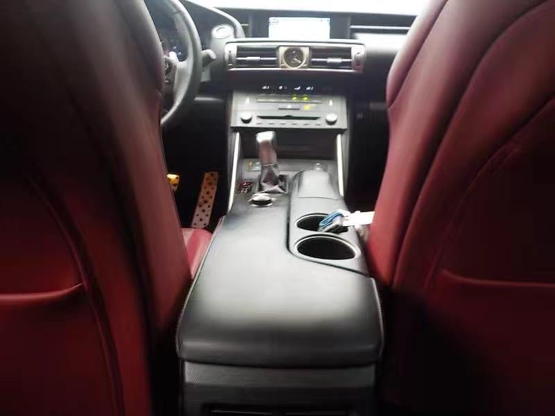 原来lexus也可以这么帅。2014 Lexus IS350 F awd ,3.5L自吸,动力超300匹,运动设计座椅,驾驶感受舒适。