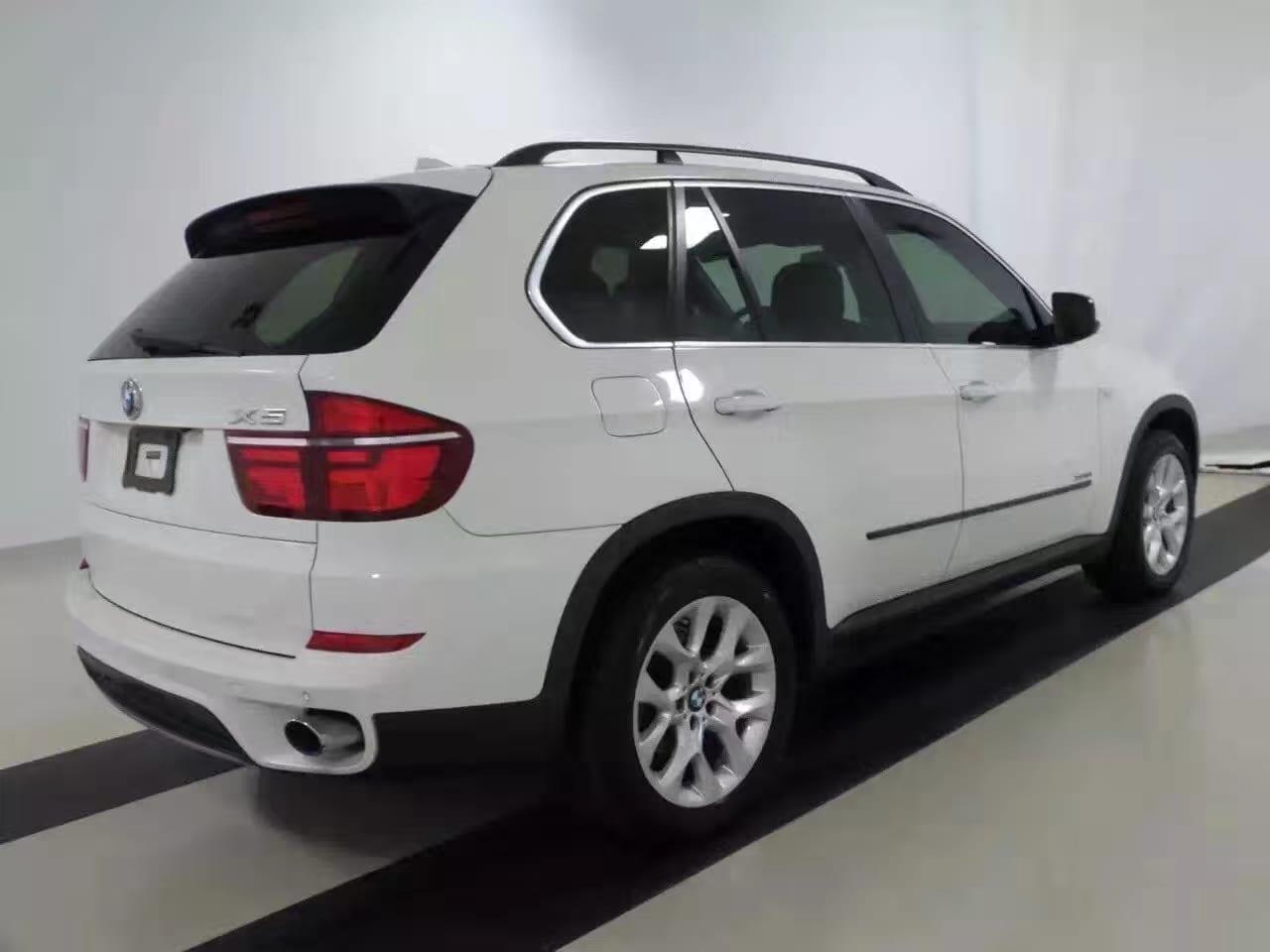 买车 年收入 2013 白色X5,价格 打头,里程不到5w,需要suv的朋友