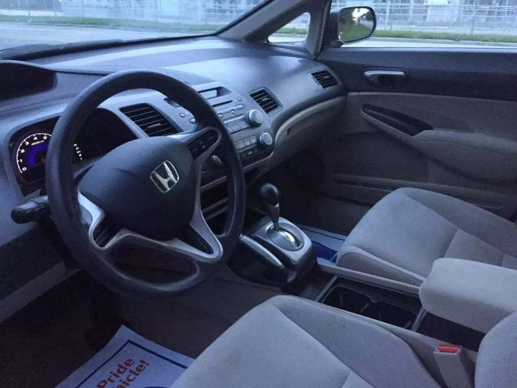 二手车场地址 2009 Honda Civic 代步小车,经济省油,不需要太多的操心