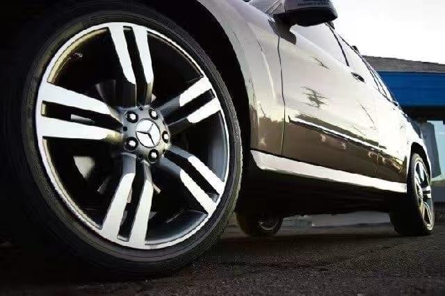 买车位 流程 2013 奔驰GLK 4matic,AMG合金轮毂,皮座椅内饰干净