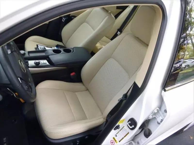 美国买车lease 2014 Lexus IS250 AWD,里程:28k,看这干净的座椅