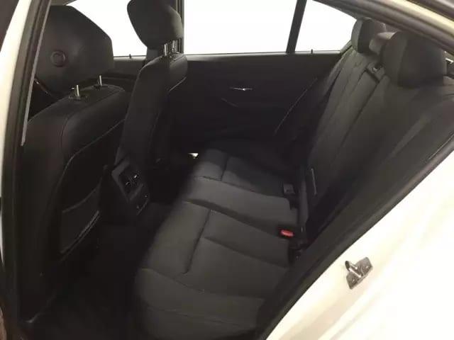 美国买车分期 2013 Bmw 328i Xdrive,配置齐全,导航倒影,四轮驱动,里程5w,价格仅:18xxx。