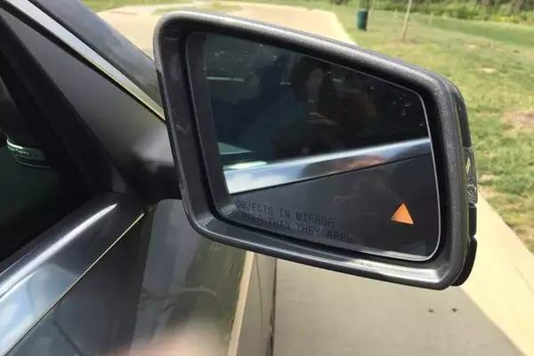 二手车攻略 2014 Mercedes CLA250,配置自己看(大天窗,盲点