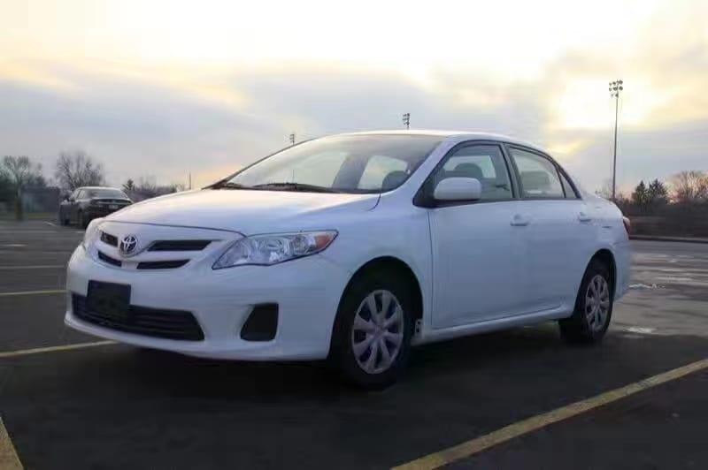 买车全额贷 2011丰田卡罗拉LE,迈数59k,对于它来说是非常非常低的里程