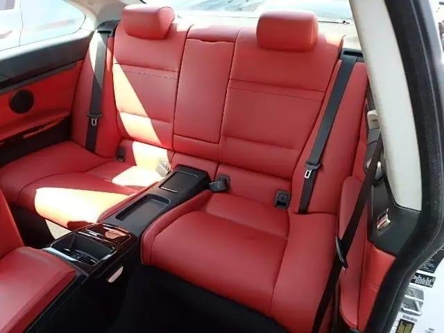 二手车交易平台 2013 BMW 335i Xdrive,里程:43k,外白内红