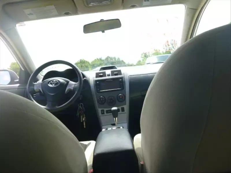 二手车品牌推荐 2013 白色Corolla LE,类似的车况,一样的价格