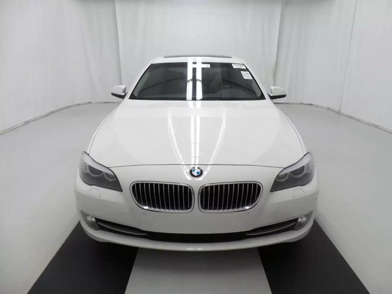 开二手车行ptt 2011 BMW 535ix,豪华典范,正统五系 还可以改装M套件