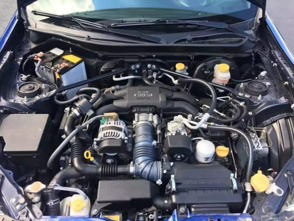 2013 Scion FR-S 里程:20800mile,车身状况几乎完美,手动档。 改装潜力最大的一款车,玩车人的最爱! 这车不开手动档浪费这一车架子了!